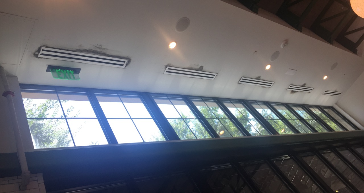 Air-conditioning-diffusers-condensation-mold-restaurant