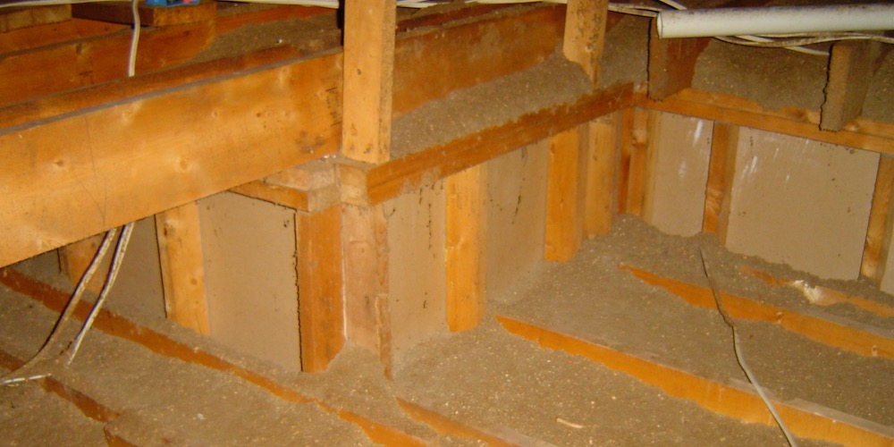 A Short Attic Kneewall In An Unconditioned Attic