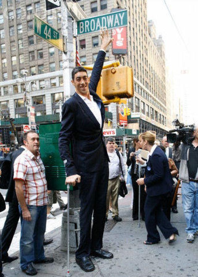 Sultan Kosen - World's Tallest Man - The News Insight