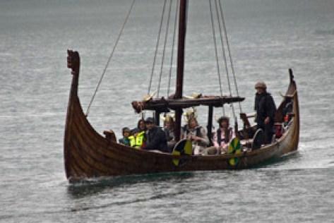 drakkar-bateau-viking-pour-touristes-Norvège voyage famille