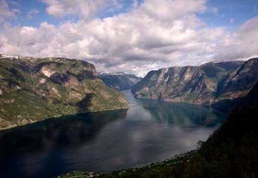 Fjord-Naerofjord-le-plus-étroit-de-Norvège