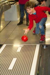 voyage-enfant-esterel-famille-bowling-fun-city