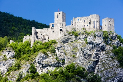 voyage-famille-enfant-strecno-slovaquie-chateau