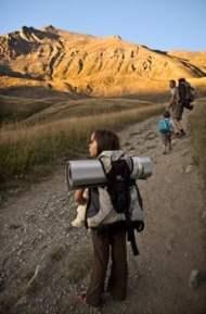 enfant-randonneur-bivouac-Oisans-Alpes