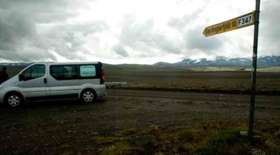 fourgon-aménagé-sur-piste-en-islande dans Kerlingarfjöll