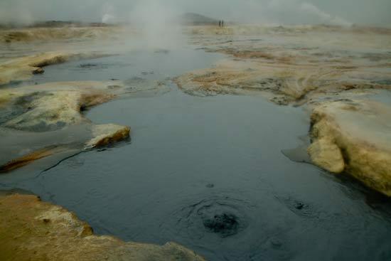marmitte-de-boue-volcan-islandais-hverir