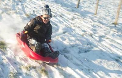 sport-hiver-enfant-luge