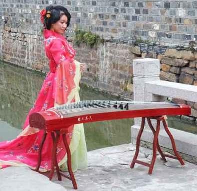 femme-chinoise-en-tenue-traditionnelle