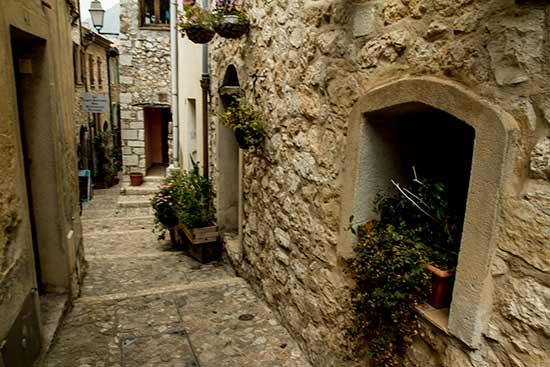 ruelle-sainte-agnès-village-perché-arriere-pays-nicois