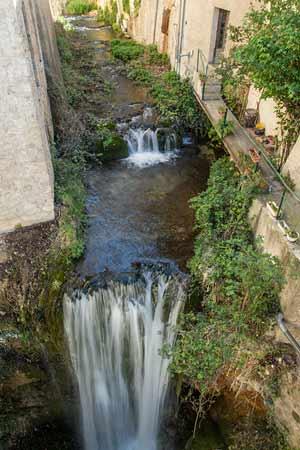 cascade-et-rivière-Moustiers-Sainte-Marie