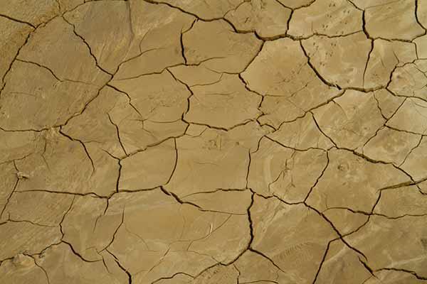 terre-craquelée-desert-bardenas-espagne