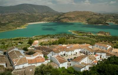 -Zahara-de-la-sierra-Andalousie-Espagne