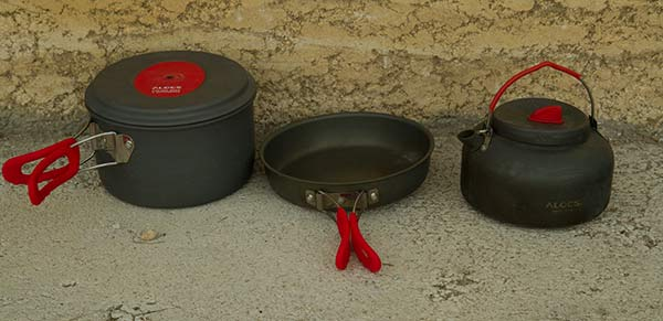 équipement-fourgon-batterie-cuisine-camping