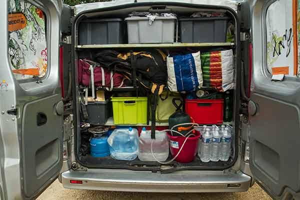 fourgon aménagé en camping-car avec un petit budget