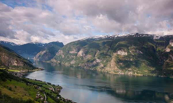 norvege-en-famille-Fjord-Naerofjord