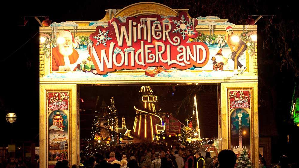 enfntsterribles-travel-christmasspirit-winterwonderland1