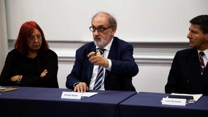 Conferencia-de-Prensa-concurso-literario-El-Poeta-Joven-del-Perú