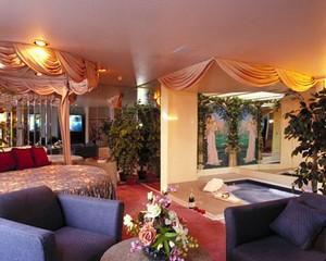 Fantasy Inn And Wedding Chapel