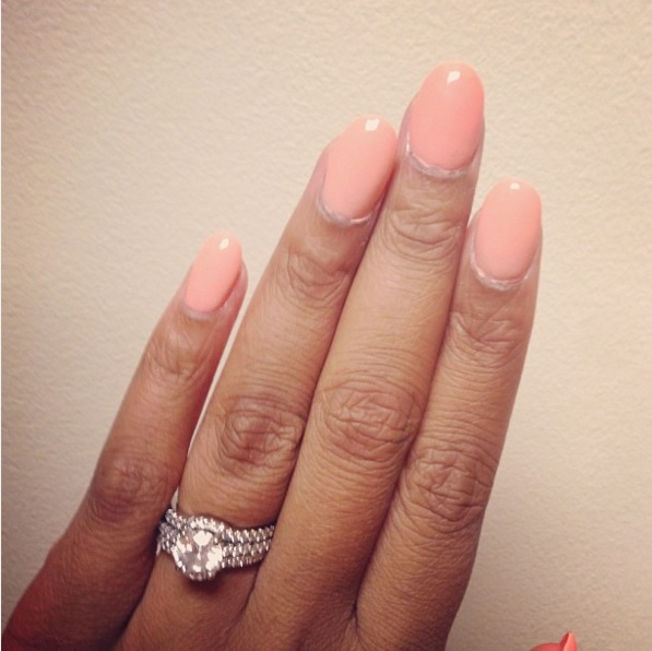 ayesha alexanders round diamond ring the engagement ring bible - Stephen Curry Wedding Ring