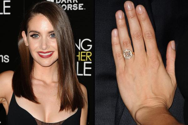 engagement-rings-2015-alison-brie