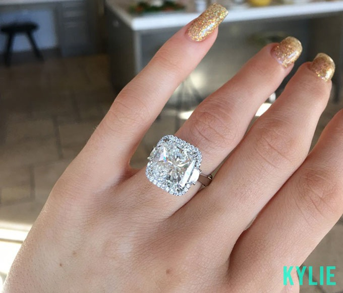 kylie-jenner-engagement-ring