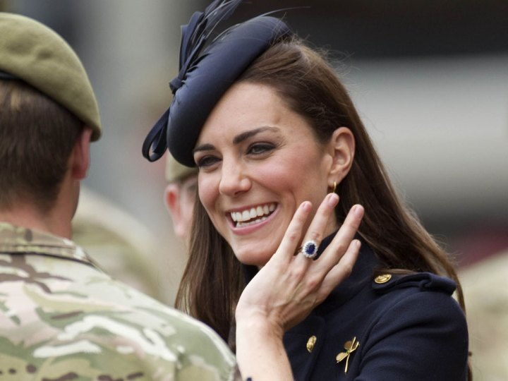 kate-middleton-engagement-ring-l