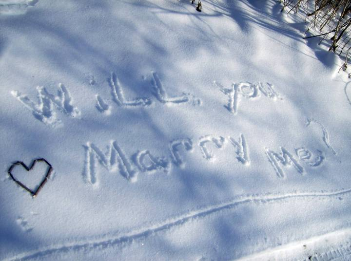 snow-marriage-proposals