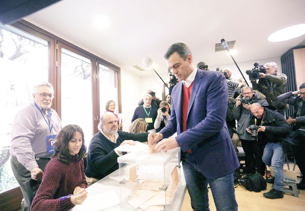 PSOE win election, but fail to gain majority as Vox climb to third place