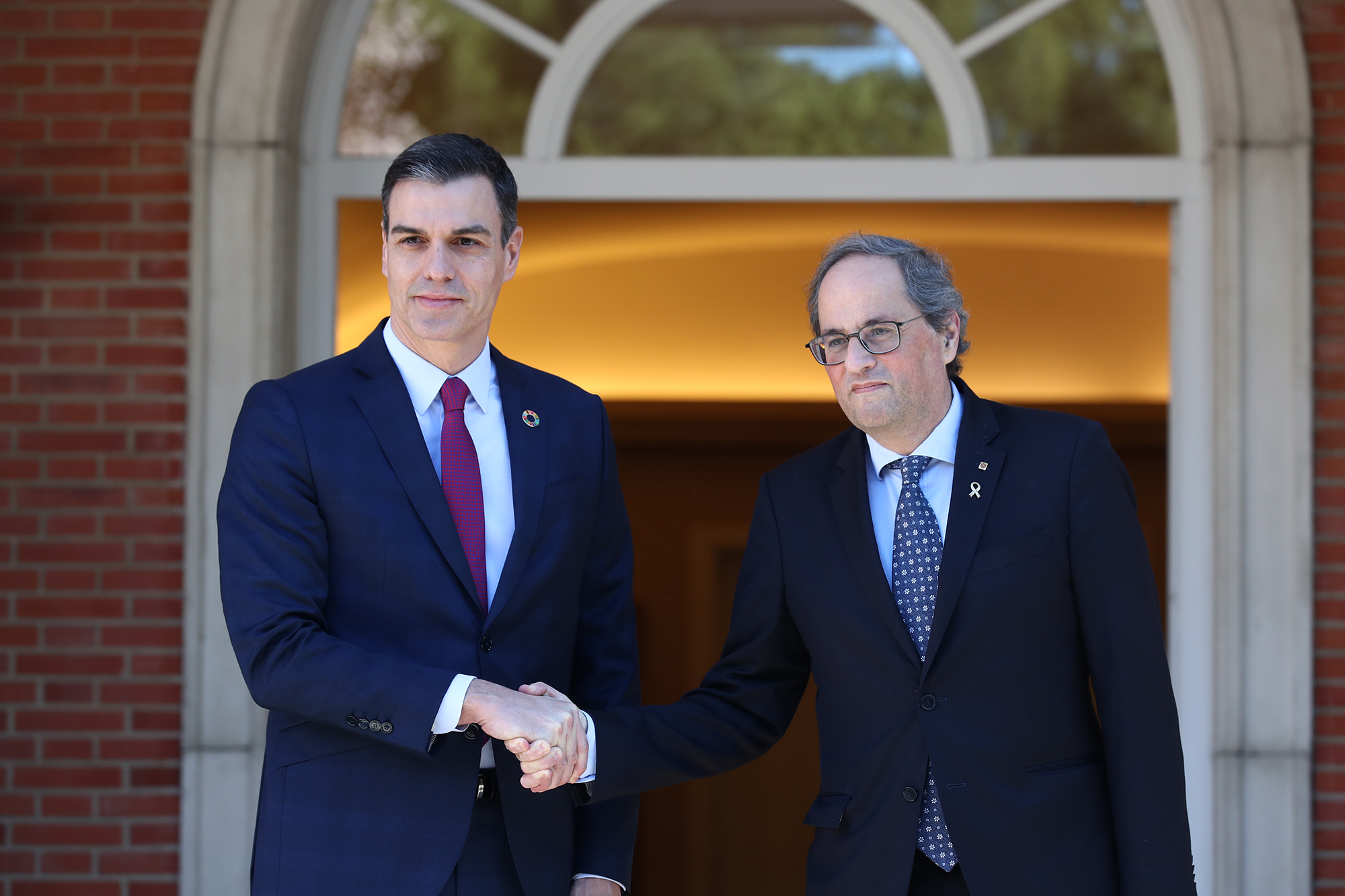 Sanchez holds first meeting with Catalan president