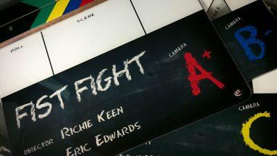 01_137_FistFight