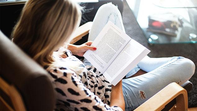 7 Tempat ternyaman untuk membaca di rumah.