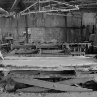 the board stack at Helmdon sits on a sprung table that allows the sawmill operatives to stay upright whilst working