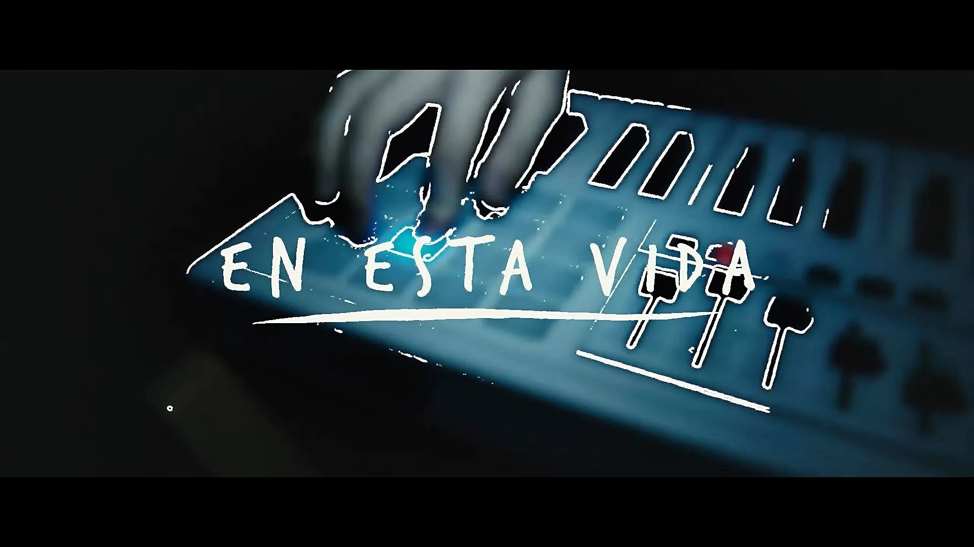 Photo of Un Corazón – En Esta Vida (Video Oficial)