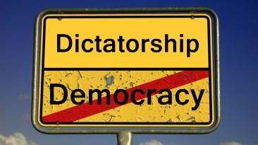 dictateur-démocratie