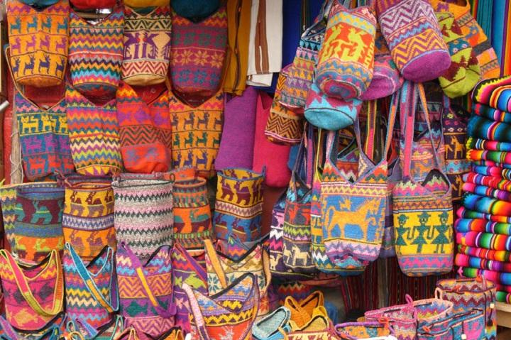 colorful-bags-chichicastenango