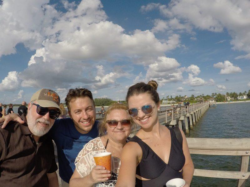 Em cima do Píer com a família. Foto: Enjoy Miami