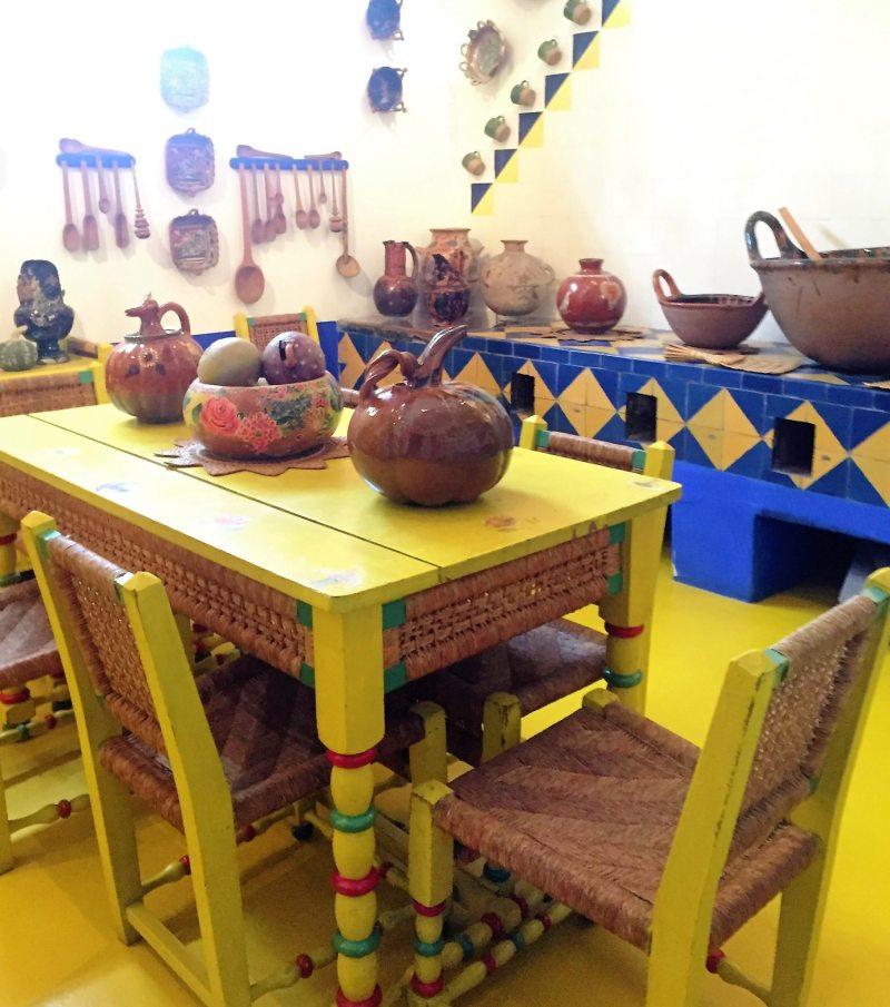 Cozinha onde Frida e Diego cozinhavam para os amigos.