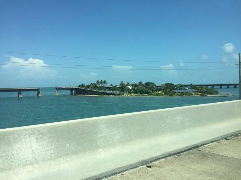 A pequena ilha de Pigeon Key no meio do caminho. Foto: Enjoy Miami
