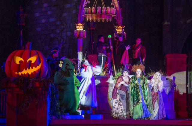 7 - Tem showzinhos criados para o Halloween como o do Abracadabra com as famosas irmãs Sanderson. Amava esse filme qundo era perquena! Foto: Disney World,