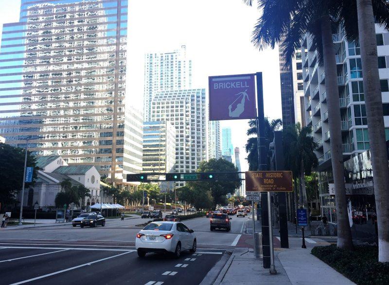 É importante contar com ajuda de GPS ou Waze para se locomover por Miami sem se perder!