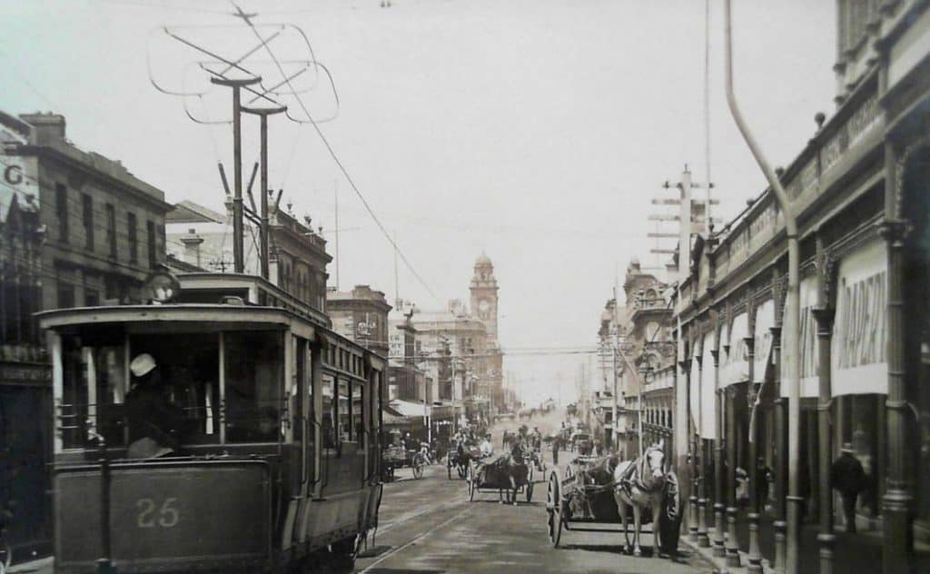 Hobart's Elizabeth St around 1910 ... real estate prices have come a long way