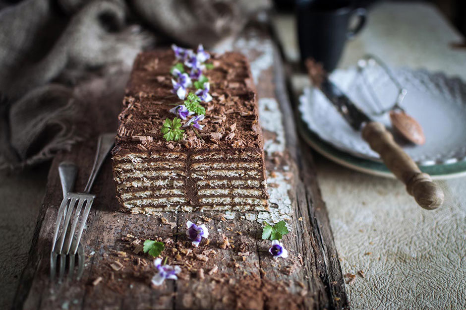 Biscuit-Cake-with-Candied-Chestnut