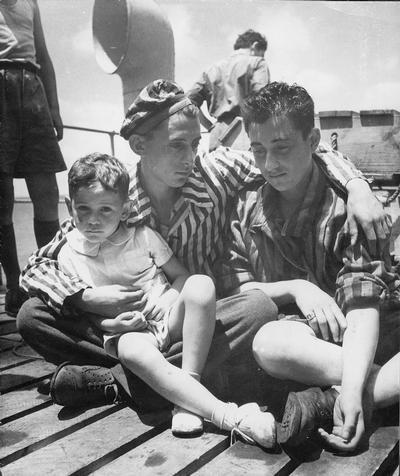 1946 - Hermanos camino a Inglaterra - Sobrevivientes del Holocuasto - Enlace Judío México