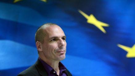 El ministro de Finanzas griego Yanis Varoufakis llega para una conferencia de prensa en Atenas, 4 de marzo de 2015. (AFP / LOUISA GOULIAMAKI)