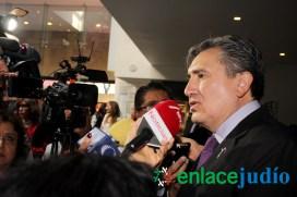 26-ENERO-2017-RELACIONAN EL MURO DE TUMP CON EL MURO DEL GHETTO DE VARSOVIA EN EL DIA INTERNACIONAL DEL HOLOCAUTSO -55