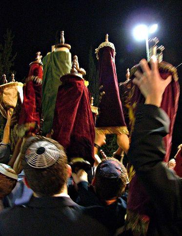 En vivo desde Israel, el estado judío celebra Simjat Torá