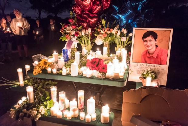 Asesino de estudiante judío de California está ligado a grupo neonazi