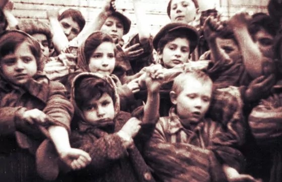 Sobreviviente de Auschwitz: Carta al presidente polaco