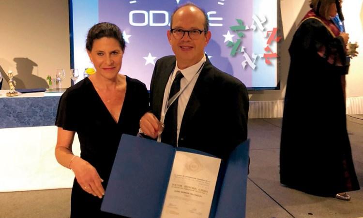 Jaime Murow recibe Doctorado Honoris Causa en Cuba como Embajador de la Paz