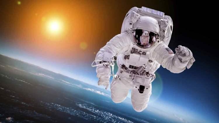Descubre quién fue el primer hombre que leyó la Torá  en el espacio